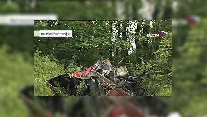 29 июня в Гатчинском районе Ленинградской области пассажирский автобус, следовавший из Пскова, столкнулся с грузовиком, который вез металлическую арматуру. Погибли десять человек, госпитализированы 16