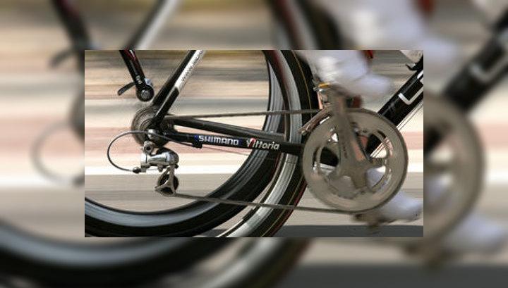 На Крестовском острове в Санкт-Петербурге открылся лучший в России Олимпийский велотрек (фото EPA)