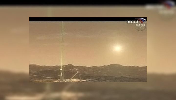 """Космический аппарат """"Феникс"""" обнаружил на Марсе два минерала, однозначно доказывающих присутствие воды в жидком виде на Красной планете в прошлом"""