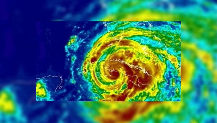 Атмосферное явление классифицируется как шторм и получает собственное имя в том случае, если скорость ветра в его эпицентре достигает 63 километров час