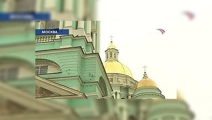 Елоховский собор не вместил всех желающих почтить память Алексия Второго