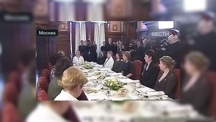 Медведев: женщин во власти должно быть больше