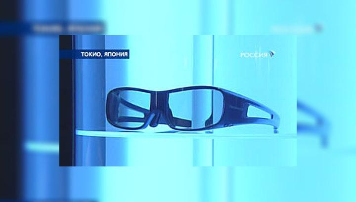 Очки-переводчик со встроенным микрофоном и мини-компьютером можно использовать часами, поскольку от них не устают глаза