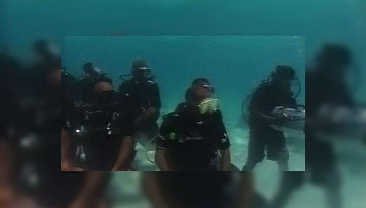 На Мальдивах заседает подводное правительство