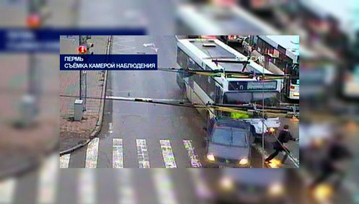 """""""Бешеный"""" автобус остановился только у памятника Николаю Чудотворцу"""