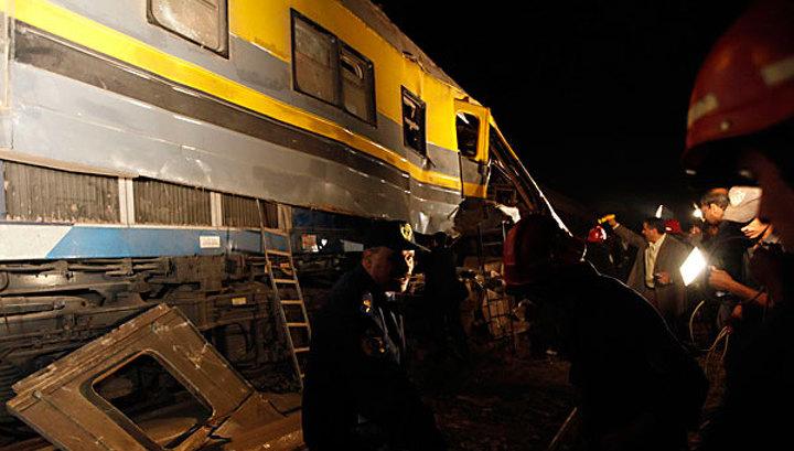 Поезда в Египте столкнулись из-за коровы: 25 человек погибли