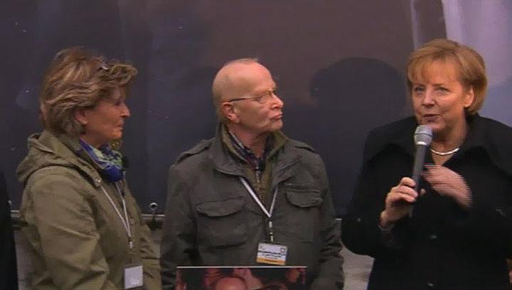 Ангела Меркель на торжествах в Берлине дебютировала как журналист