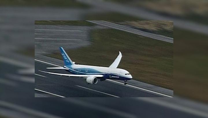 """""""Боинг-787"""" впервые поднялся в воздух"""