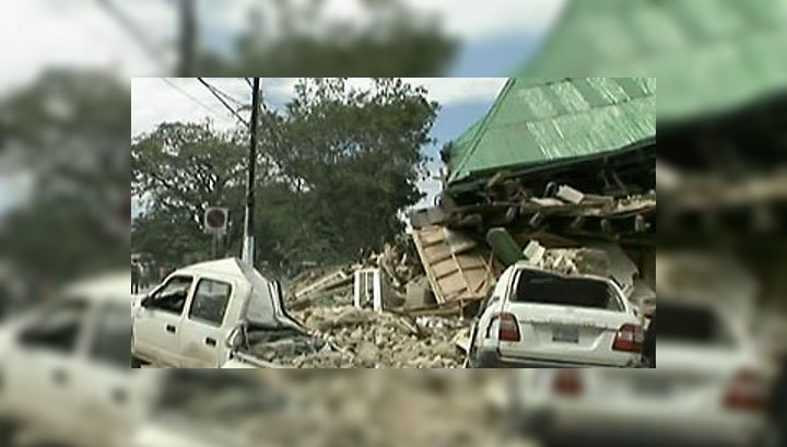 Гаитяне баррикадируют улицы трупами, требуя больше помощи