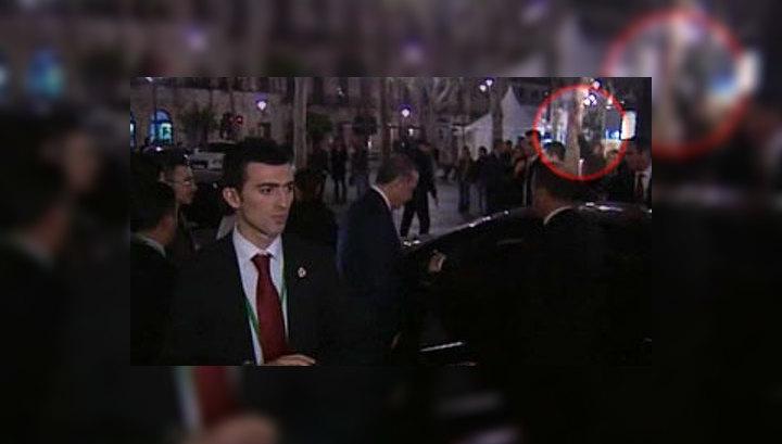В премьер-министра Турции Реджепа Эрдогана метнули ботинок