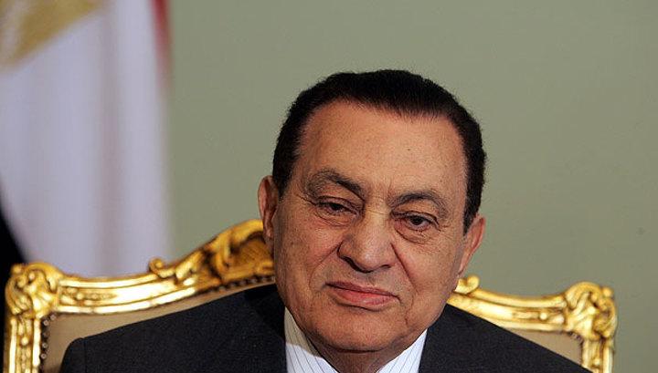 Реанимационный вертолет доставит Мубарака в суд