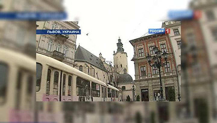 Правительство Януковича избавляется от ксенофобского имиджа Украины