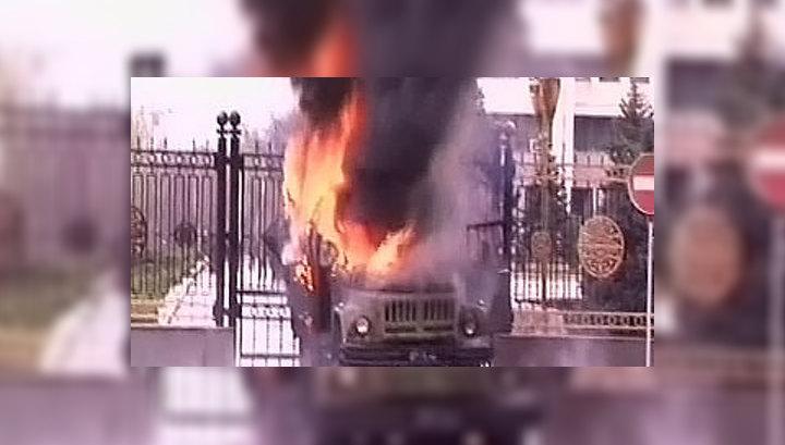 Мародеры разграбили дом, принадлежащий семье Бакиева