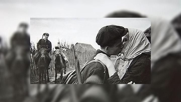 """Выставка """"Советское общество и война"""". План """"Барбаросса"""" и письма с фронта"""