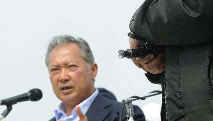 Бакиев не собирается возвращаться в Киргизию в качестве президента