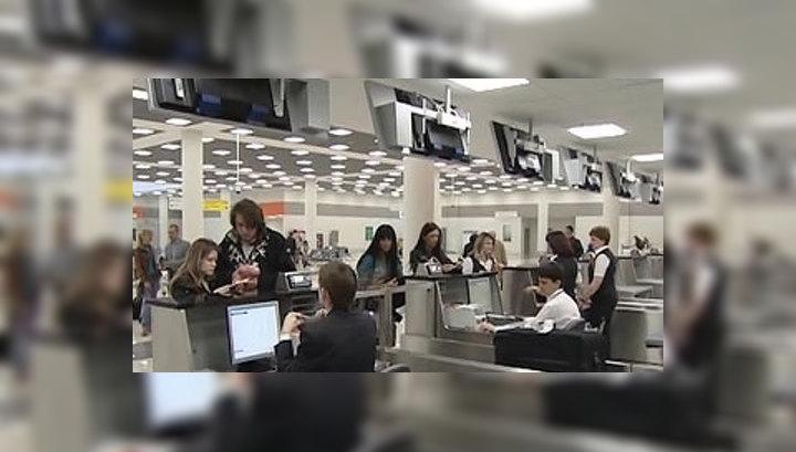 В Шереметьеве службу безопасности переодели в гражданскую одежду