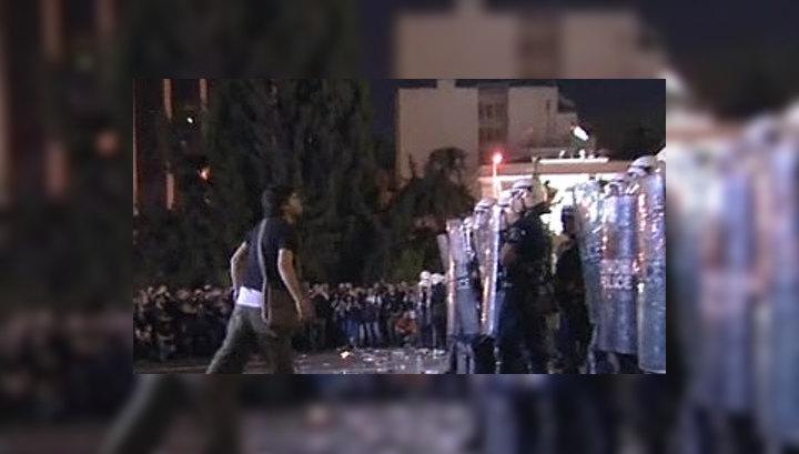 Против демонстрантов греческая полиция применила слезоточивый газ