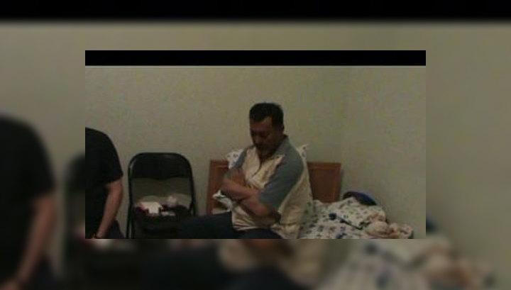 У брата Бакиева при задержании изъяли пистолет и усы