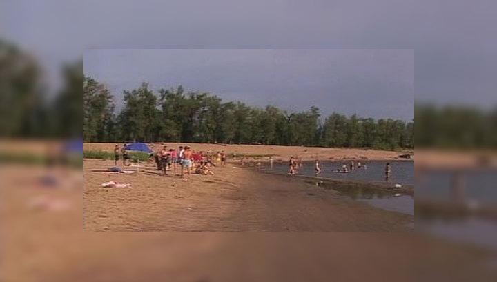 На пляже порно при детях