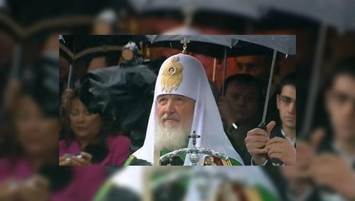 Патриарх Кирилл освятил икону на Спасской башне
