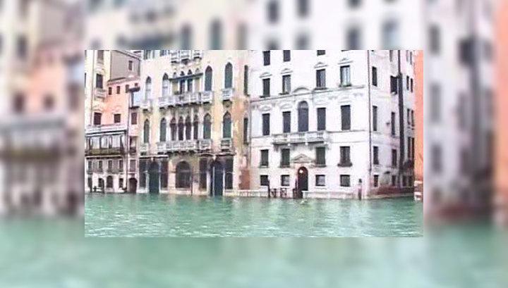 Проливные дожди в Италии вызвали наводнения и оползни