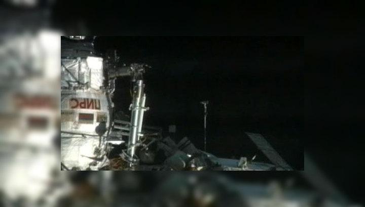 Россияне завершили выход в космос