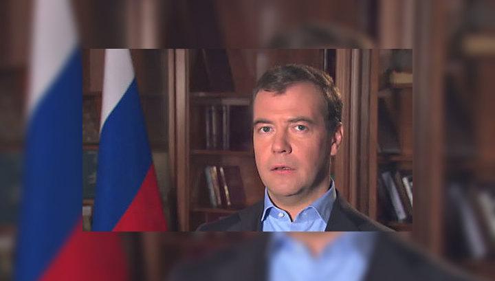 Неформальный саммит в Астане: Медведев положил галстук в карман