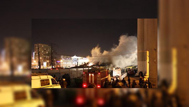 """Пожар на рынке возле метро """"Савеловская"""": фото очевидца"""