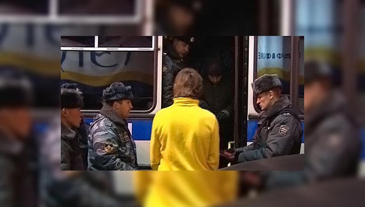 От Киевского вокзала молодежь отправилась на Большую Дорогомиловскую