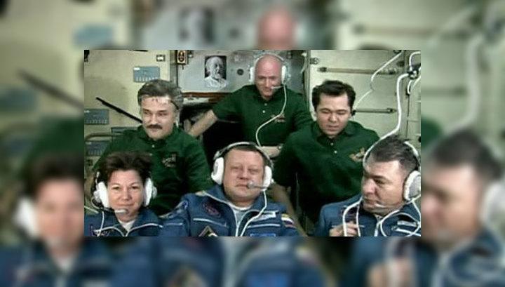 Новый экипаж МКС будет работать на станции до мая 2011 года