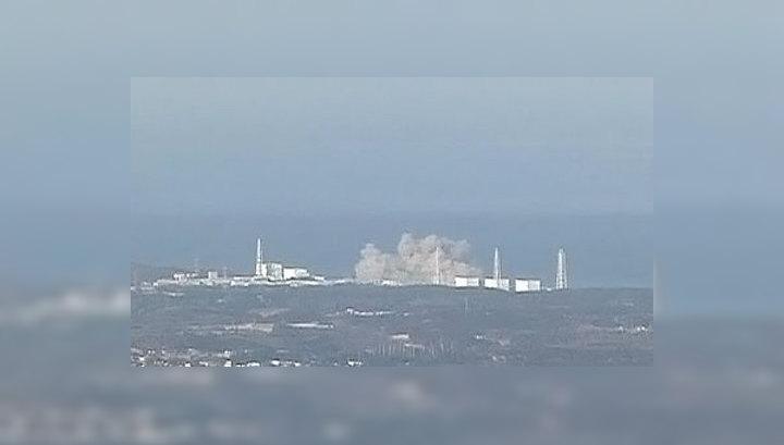 """Взрыв разрушил внешнюю стену одного из реакторов АЭС """"Фукусима-1"""""""