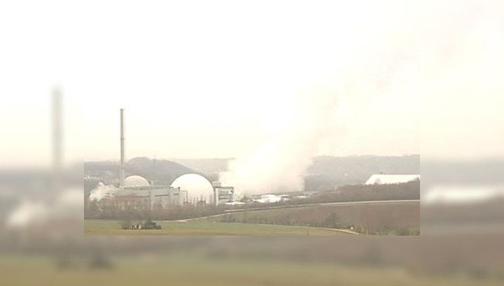 На фоне событий в Японии ФРГ отключит от сети 7 АЭС