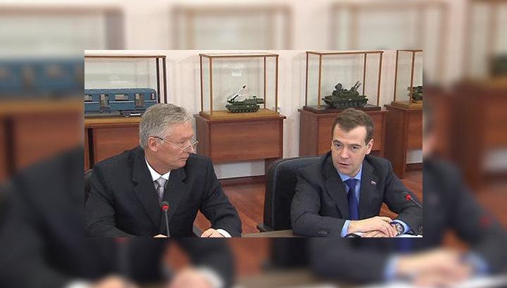 Медведев: образование пора поставить с головы на ноги