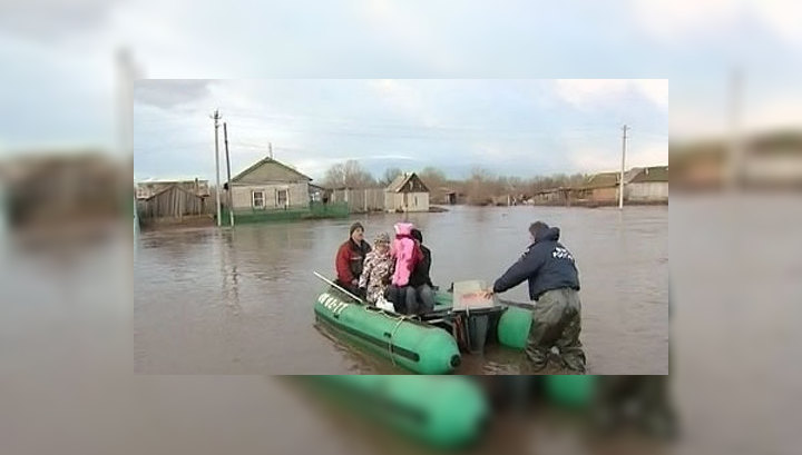 Паводковая ситуация в Приуралье и Поволжье остается сложной