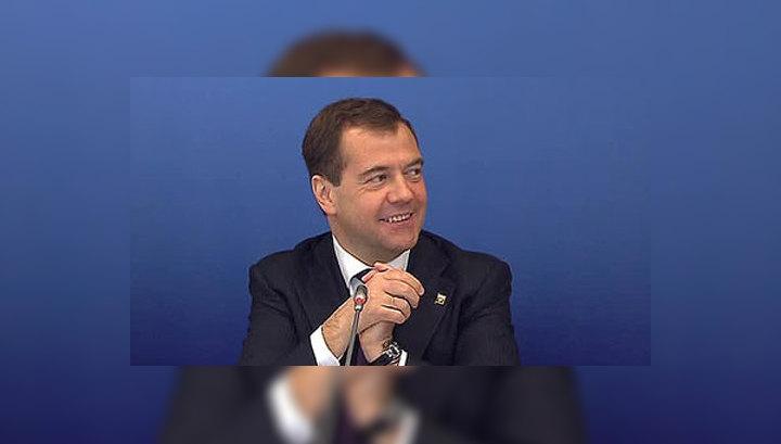 Медведев ознакомился с первыми разработками ученых из Сколкова
