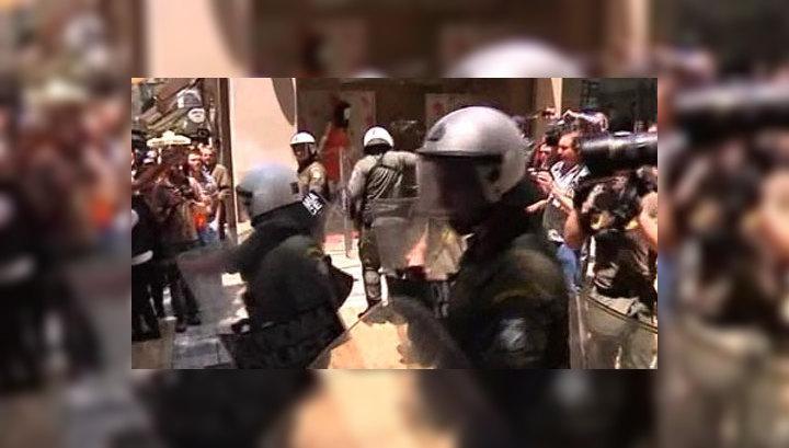 Греческая полиция избила бастующих таксистов