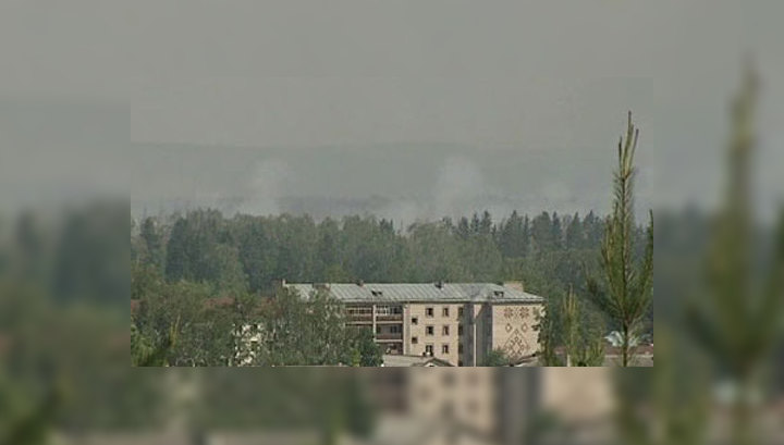 Пожар на арсенале в Удмуртии: дым над лесом