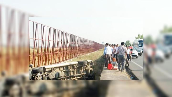 ДТП в Турции: автобус с россиянами перевернулся и упал в кювет