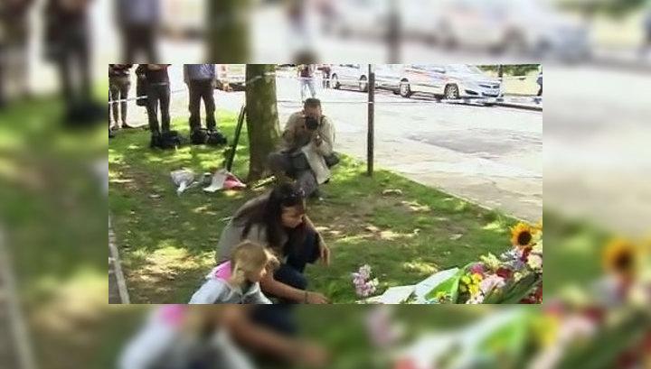 Эми Уайнхаус похоронили в Лондоне, рядом с могилой бабушки