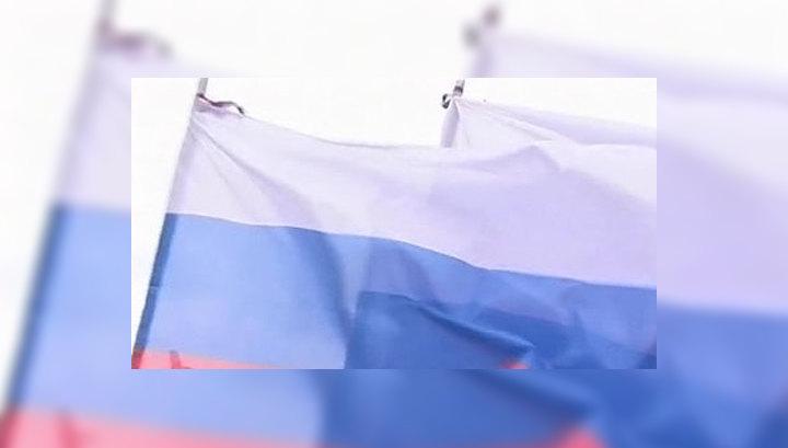 Космонавты вынесли российский триколор в открытый космос