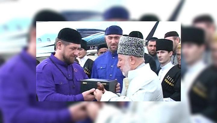 В Грозный прибыла чаша пророка Мухаммеда