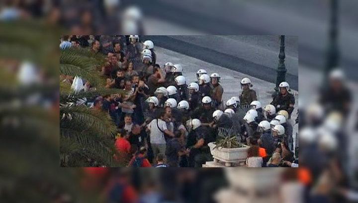 В Афинах протестующие захватили офис государственной телекомпании
