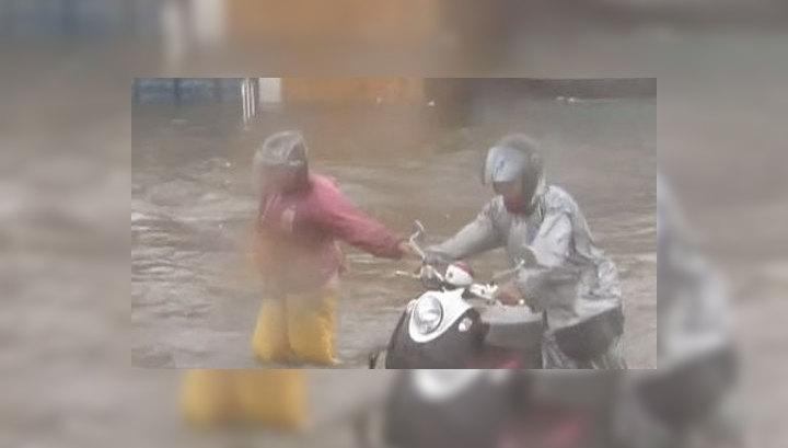 """Тайфун """"Несат"""" оставил без света более 100 тысяч жителей Филиппин"""