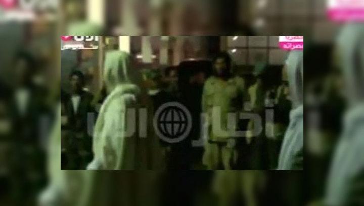 СМИ показали кадры с похорон Каддафи
