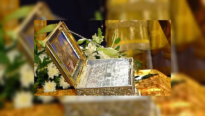 Пояс Пресвятой Богородицы доставлен в аэропорт Внуково