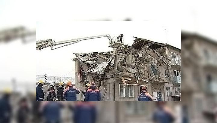 От взрыва газа в доме жильца выбросило через окно