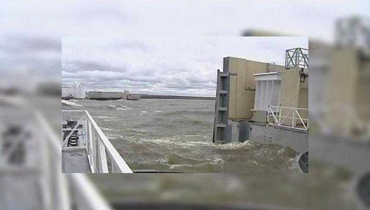 Угроза наводнения в Петербурге миновала