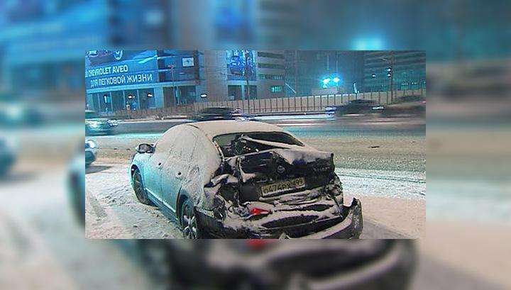 Сильный снегопад стал причиной сразу двух серьезных ДТП в Москве