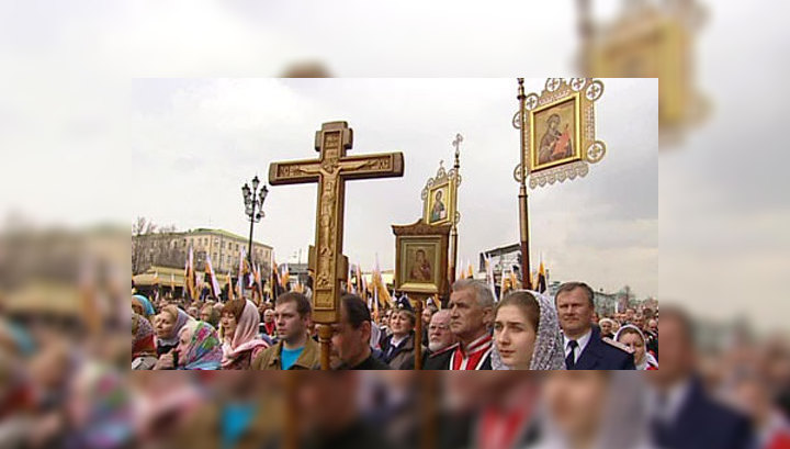 Молебен в Храме Христа Спасителя собрал 50 000 верующих