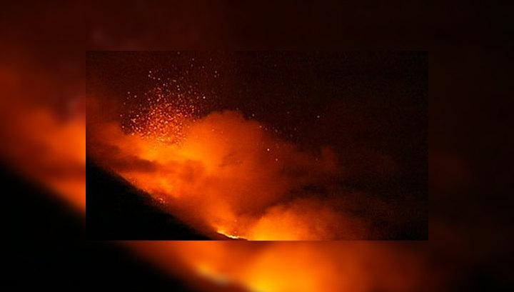 Восьмое в этом году извержение Этны стало самым мощным